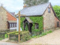 Adorable cottage in excellent location. Beautiful country walks on the doorstep.