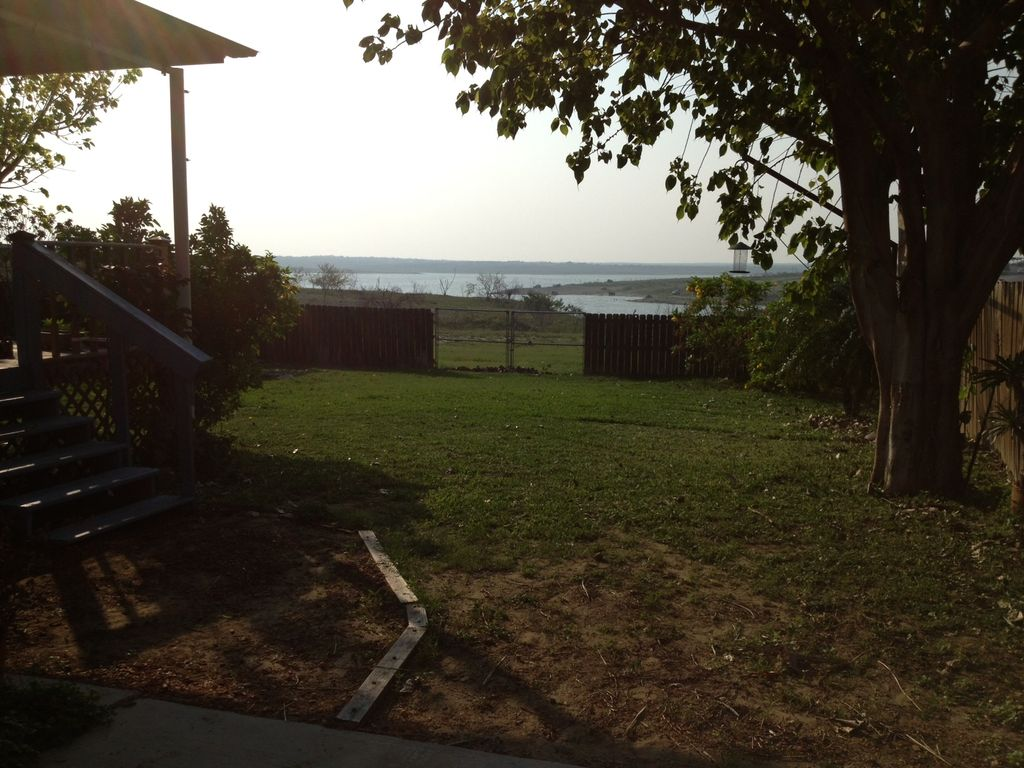 Falcon lake the ultimate fishing cabin zapata texas for Fishing cabins for rent in texas