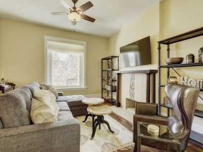 Photo for Large 4 Br Vacation House In Dt Denver - Sleeps 14