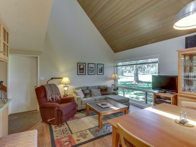 Photo for Dog-friendly condo with SHARC passes for six and great golf course views!