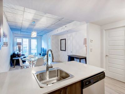 Photo for 1BR Quartier des Spectacles Stylish & Lovely!