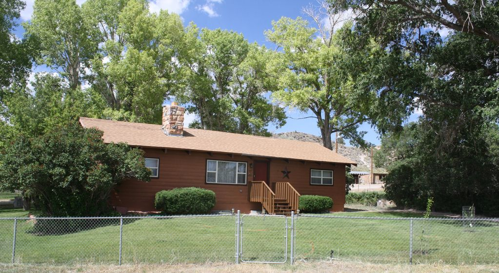 Capitol Reef Country 5 Bed 3 Bath Cabin Home - Lyman