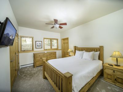 Photo for 2 BDR Condo, Private Hot Tub, Stunning Mountain Views!