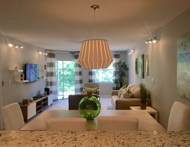 Photo for 2018 Townhouse - Professionally Interior Designed - Direct Beach Access