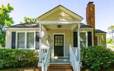 Photo for Mermaid Cottage-The Oyster Bay Cottage in Downtown Beaufort