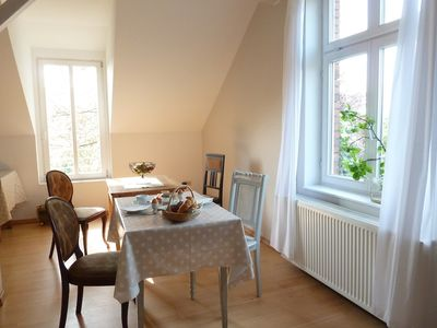 Photo for Six beds in Hamburg, directly on the Elbe, 10 km to Hamburg Central Station