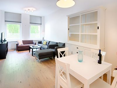 Photo for Superbly located 2-bedroom!..