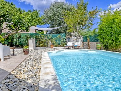 Photo for Private villa with heated pool near the sea