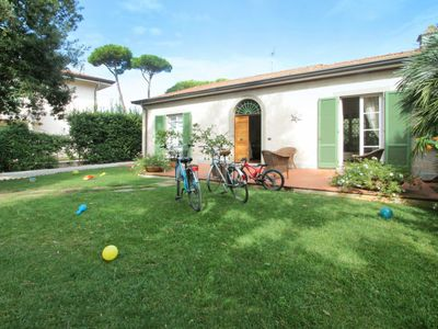 Photo for Vacation home Clara in Forte dei Marmi - 6 persons, 3 bedrooms