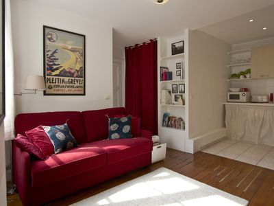 Photo for In the Centre of Paris - In lively Marais area -walk everywhere - sleeps 4