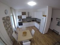 Nice Renovated Place w/ Great Location