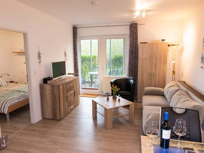 Photo for Apartment for 2-4 persons near dike with terrace, ground level, dogs welcome!