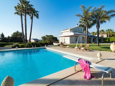 Photo for luxury villa with private pool in Modica! For a relaxing holiday in Sicily