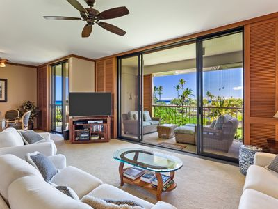 Photo for Beautiful Oceanfront Condo w/ Private Beach Access!