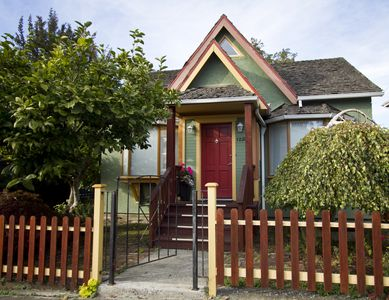 Photo for Charming Downtown Victoria House - kids under 5 yrs old stay for FREE