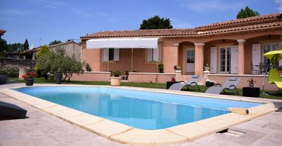 Photo for Charming Provencal house in Avignon with pool near downtown