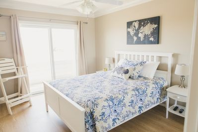 Queen bed in master with private veranda and ocean views