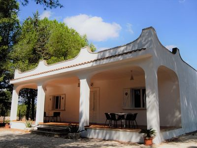 Photo for Villa with air conditioning, in the heart of Puglia (wi-fi free)