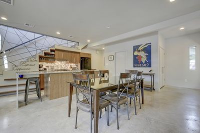 Dining - Contemporary dining for 6 in the main living space