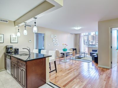 Photo for 2 Bed / 2 Bath apartment, 3 blocks from Central Park!