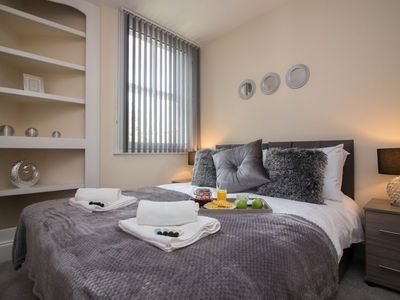 Photo for Apartment in the center of Doncaster with Internet, Washing machine (708602)