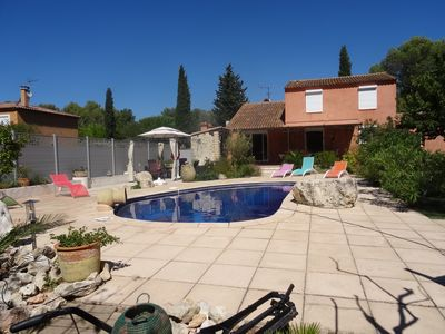 Photo for Provencal villa with 4 air-conditioned bedrooms. Private swimming pool. Not overlooked