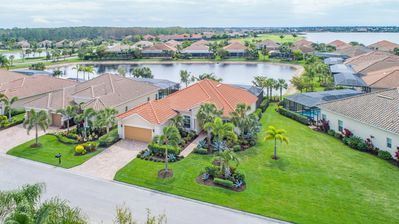 Photo for Beautiful 3 Bedroom, 2 Bath Lakefront Home