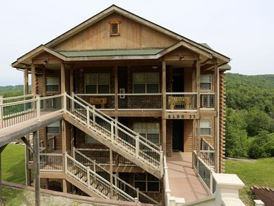 Photo for Branson Vacation Rental   Eagles Nest   Indian Point   Silver Dollar City   Hot Tub (331602)
