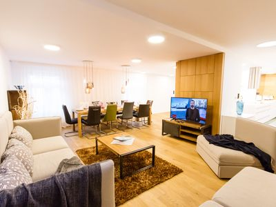 Glamour Premium E 4-Bedrooms, 4-Bathrooms, Terrace apartment (Prague Old Town)