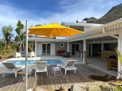 Photo for Luxury villa with swimming pool