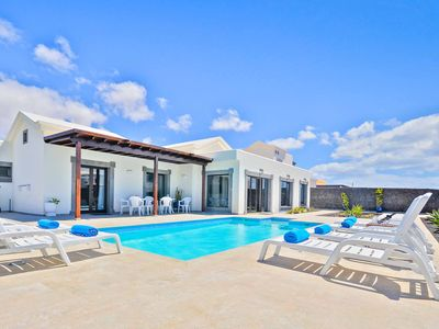 Photo for Villa Qura - Modern Villa in Playa Blanca with Pool, A/C, Wi-Fi, BBQ & more!