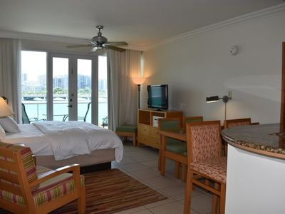 Photo for Parlor w Lagoon view 2 guests + parking (D23)