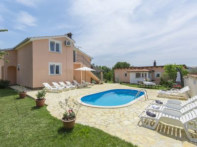 Photo for Beautiful villa for up to 12 persons with private pool and garden