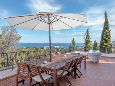 Photo for Cosy Villa with Wi-Fi & Terrace