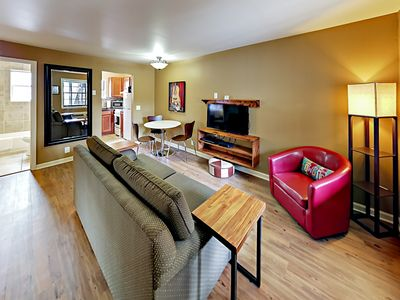 Photo for Landmark McMillin Court Apartment #4 – Barbeque Lovers Rejoice!