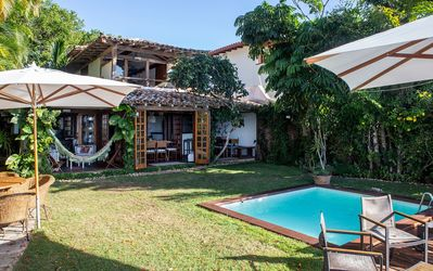 Photo for Beautiful house with three suites and two bedrooms, facing the beach of Manguinhos