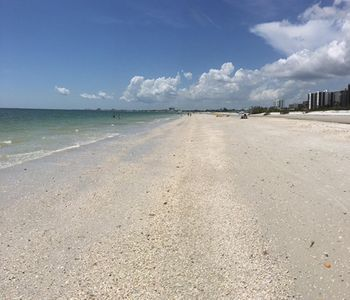 Photo for 1BR Condo Vacation Rental in Fort Myers Beach, Florida