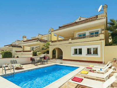 Photo for Well-equipped villa with games room, a pool and Wi-Fi ideal for families, close to resort and beach