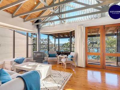 Photo for STUNNING WATERFRONT ESCAPE AT DALEYS POINT