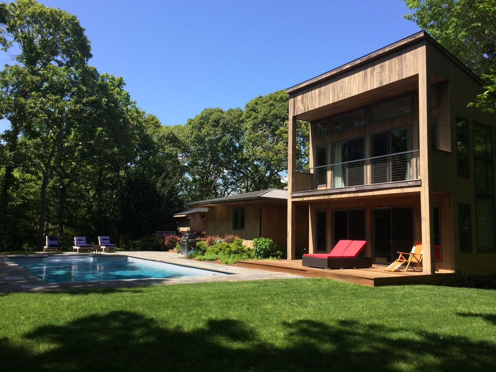 Peace n 39 quiet in east hampton woods homeaway for East hampton vacation rentals
