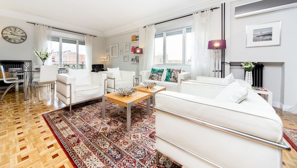 Luxury Tech Madrid Castellana Bernabeu Executive Penthouse For Up To 6 People