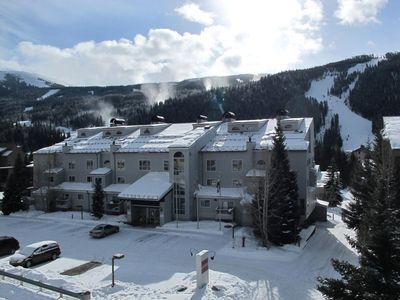 Liftside Condominiums (near the Mountain House lifts and ski school)