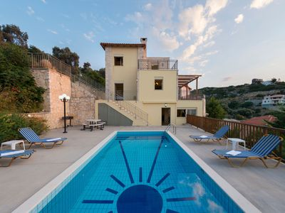 Photo for This 4-bedroom villa for up to 10 guests is located in Rethymnon and has a private swimming pool, ai