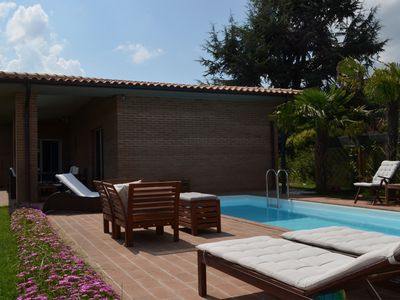 Photo for modern villa with pool and heated jacuzzi in Tuscany, nera Monte San Savino and Cortona, a perfect p