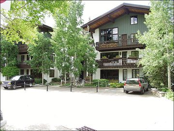 Heart of Vail Village, Steps from Golden Peak or the Gondola One (208290-3346)