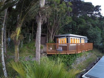 Photo for Cosy cottage in  bush setting close to beach