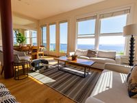 Amazing views, great location, cozy and comfy home!