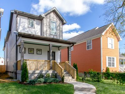Photo for DOWNTOWN EXTRAORDINAIRE ◆ 3BR - 2.5BA ◆ GERMANTOWN