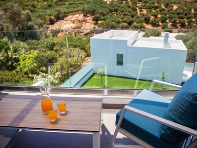 Photo for Wonderful private villa for 6 people with private pool, WIFI, A/C, TV, balcony and parking