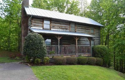 Photo for 4 BR 4 BA Auth Log Cabin 10 min from Gatlinburg & Pigeon Forge